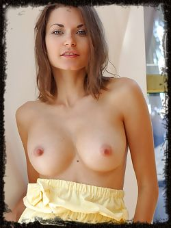 Refreshingly pretty and charming babe with a vivacious,...